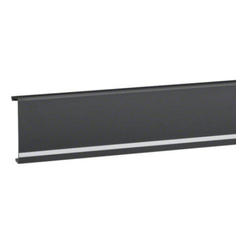 Plinthe noire avec bande LED hager